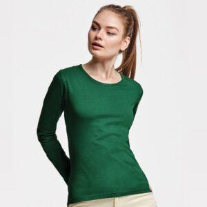 Máxima comodidad y protección frente al frío con la camiseta de manga larga para mujer Extreme Woman. Tu compañera ideal para completar cualquier look.